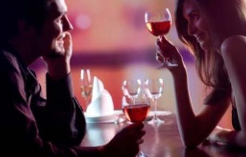 Flirter avec des inconnus sans tromper, c'est possible?